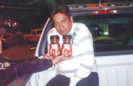 Nabbed is the coffee kingpin. 46-year-old Armando Hernández López' cafeine addiction forced him to break into a convenience store in the El Refugio township where he lifted two jars of instant coffee. He was apprehended by the store's security guards and was handed over to the authorities. A parallel investigation is underway to determine if he's involved in a series of unresolved cookie heists and an underground Coffee-Mate creamer ring.