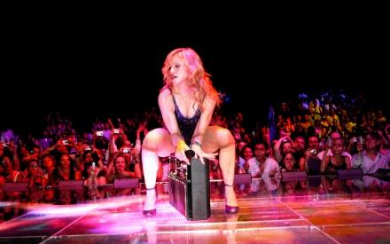 Madonna_Confessions_Tour
